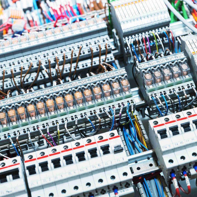 Przemysłowe instalacje elektryczne - Grafika